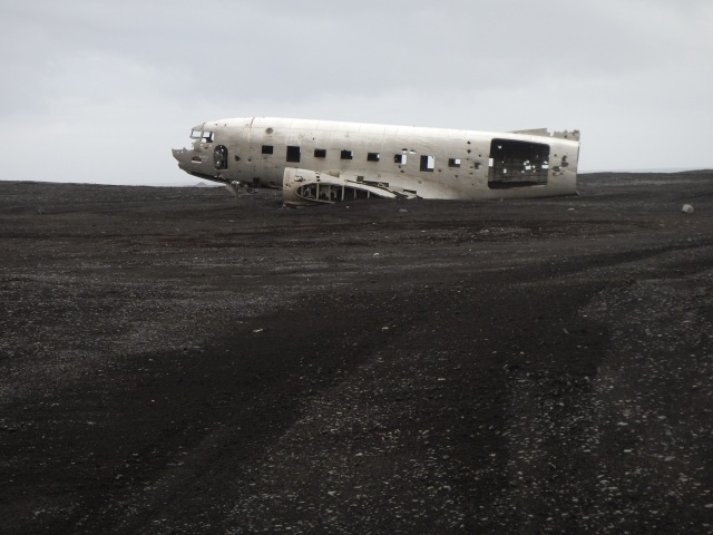 Crashed plane at Sólheimasandur